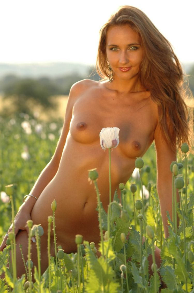 Franka, beautiful as a flower in a poppy field - 06