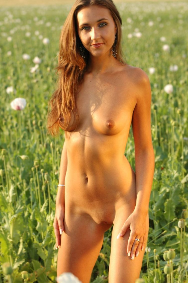 Franka, beautiful as a flower in a poppy field - 11