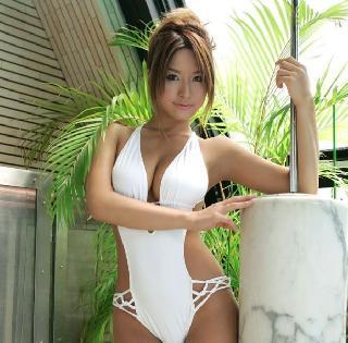 Reina Matsushima and her charming nipples