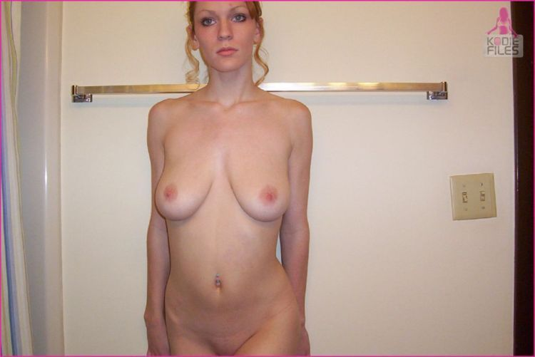 Home photo set of a redheaded seductress - 15