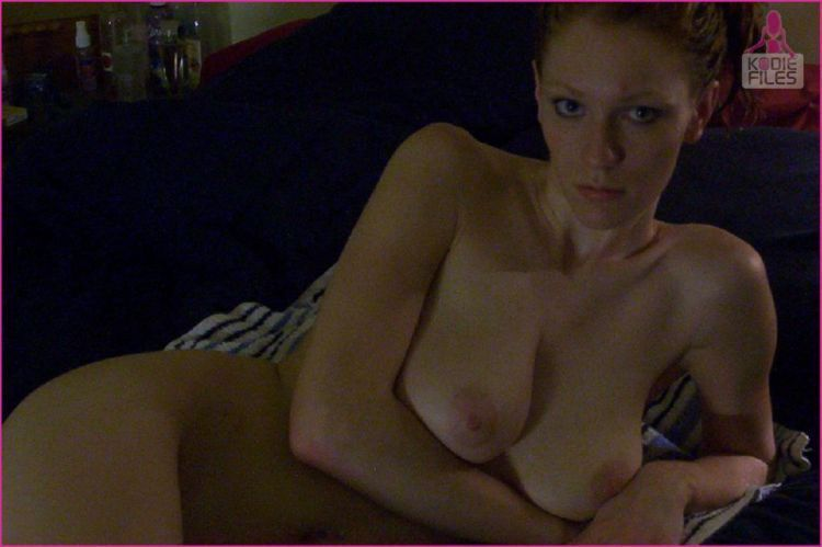 Home photo set of a redheaded seductress - 17