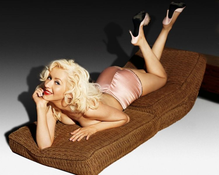 Compilation of the sexiest photos of Christina Aguilera - 15