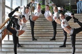 Hot Russian cheerleaders show a master class at the Moscow Championship of Cheerleaders