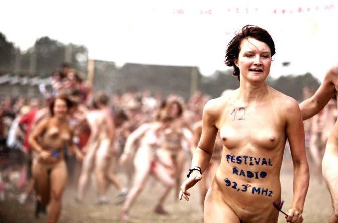 Naked sprint at the Roskilde Music Festival - 15