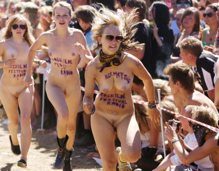Naked sprint at the Roskilde Music Festival - 24