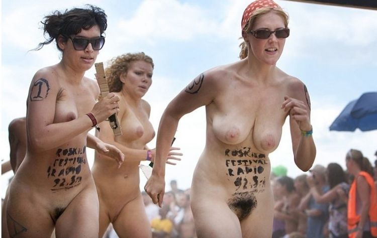 Naked sprint at the Roskilde Music Festival - 26