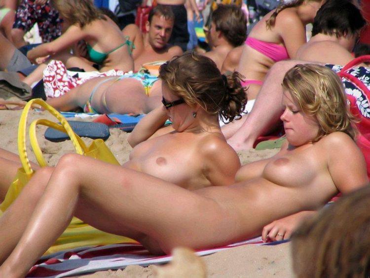 Hot days on a nudist beach - 20