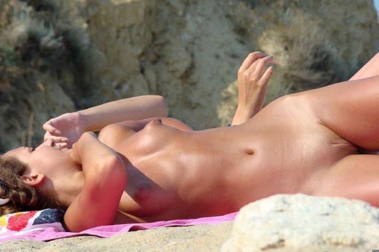 Hot days on a nudist beach - 27