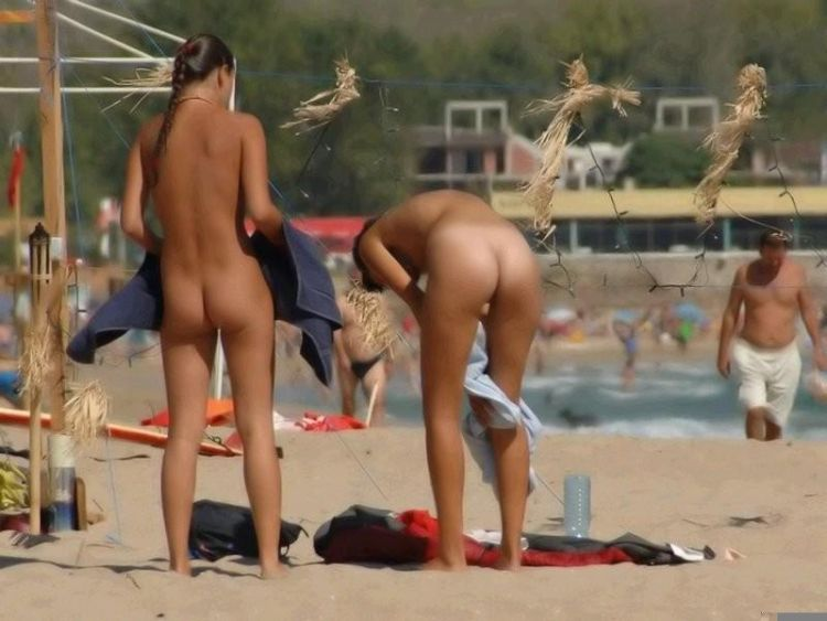 Hot days on a nudist beach - 31