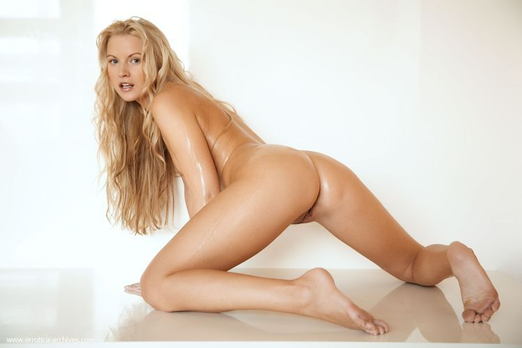 It is a pure pleasure to look at lovely Vanessa - 02