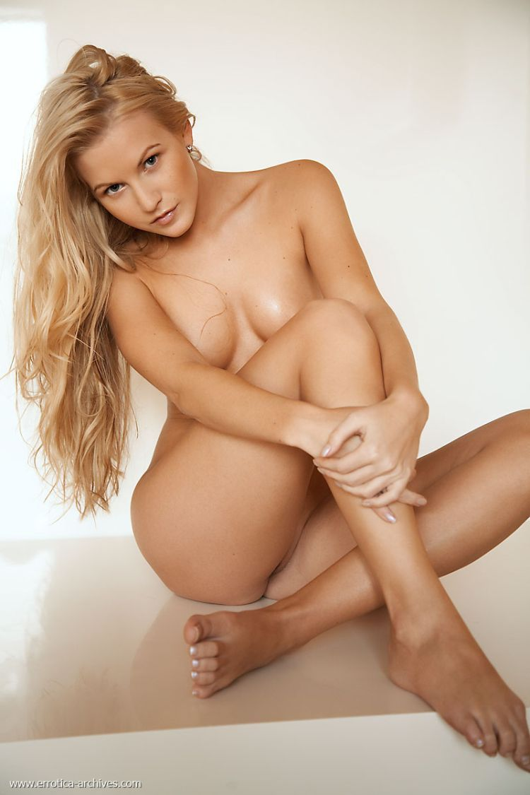 It is a pure pleasure to look at lovely Vanessa - 09