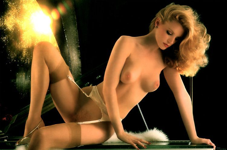 The most gorgeous girls of the main playboy Hugh Hefner - 29