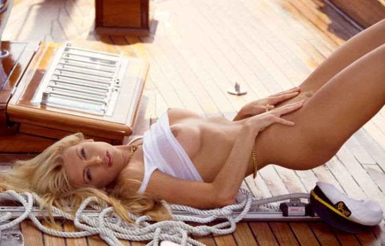 The most gorgeous girls of the main playboy Hugh Hefner - 75