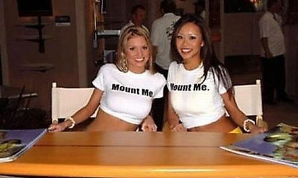 Girls in funny t-shirts - 10