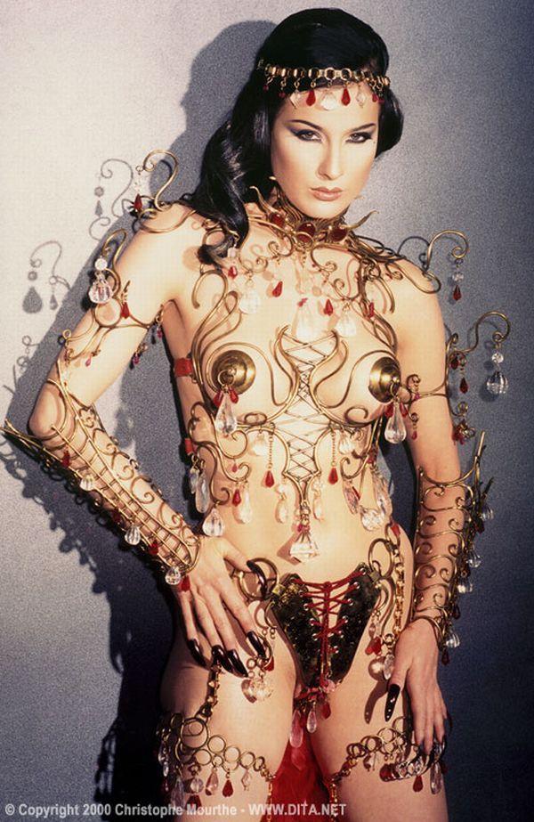 Big collection of erotic photos of burlesque queen Dita von Teese - 07