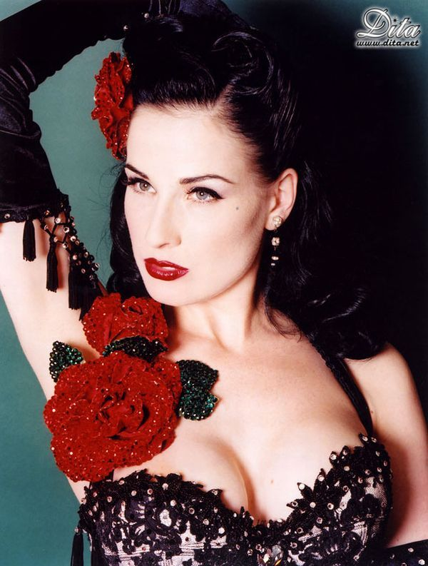 Big collection of erotic photos of burlesque queen Dita von Teese - 16