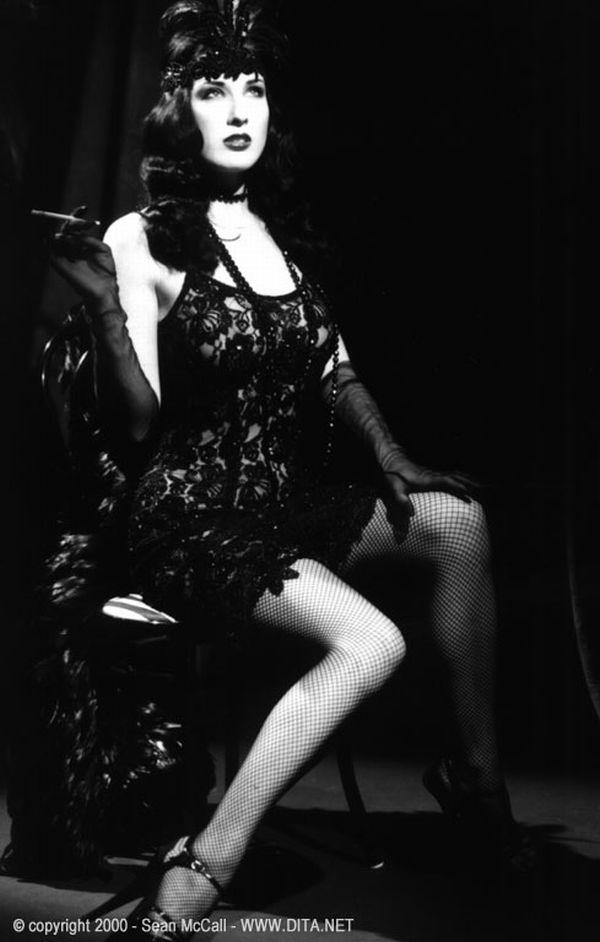 Big collection of erotic photos of burlesque queen Dita von Teese - 20
