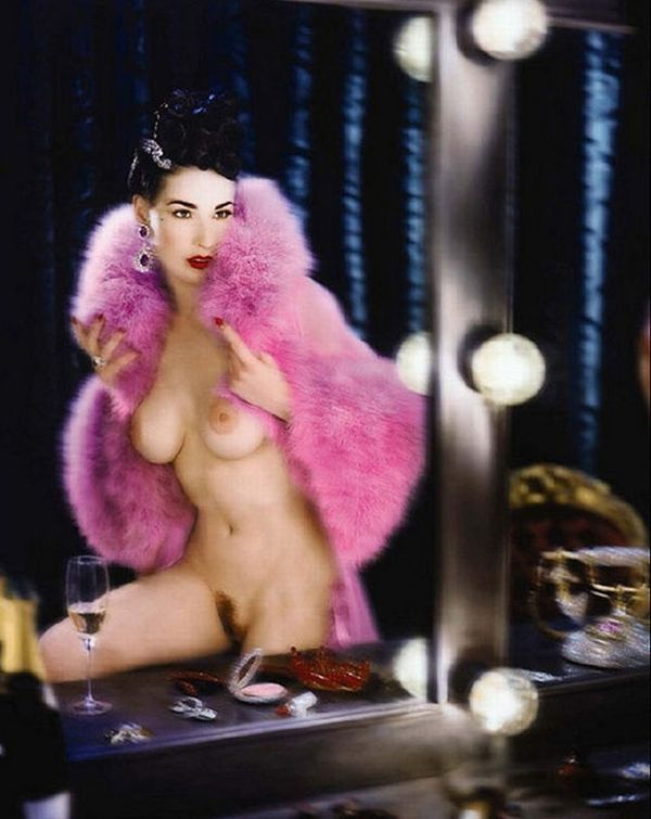 Big collection of erotic photos of burlesque queen Dita von Teese - 29