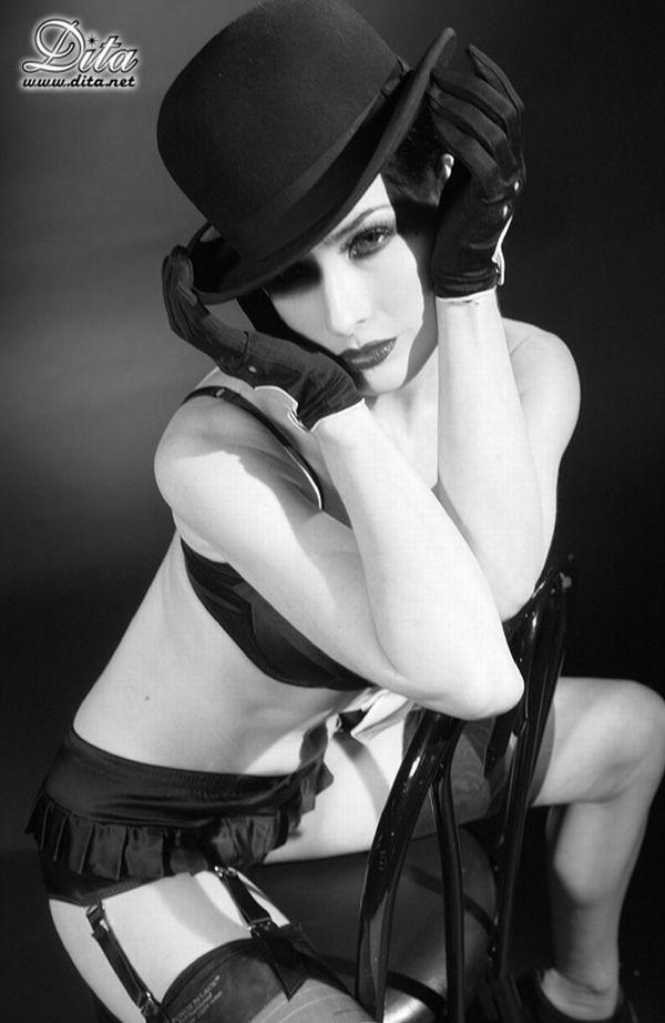 Big collection of erotic photos of burlesque queen Dita von Teese - 31