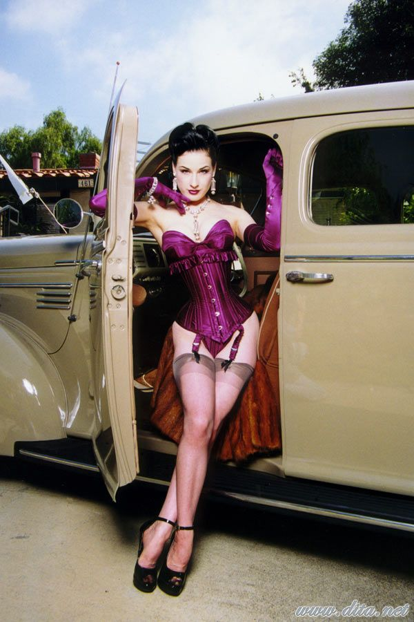 Big collection of erotic photos of burlesque queen Dita von Teese - 33