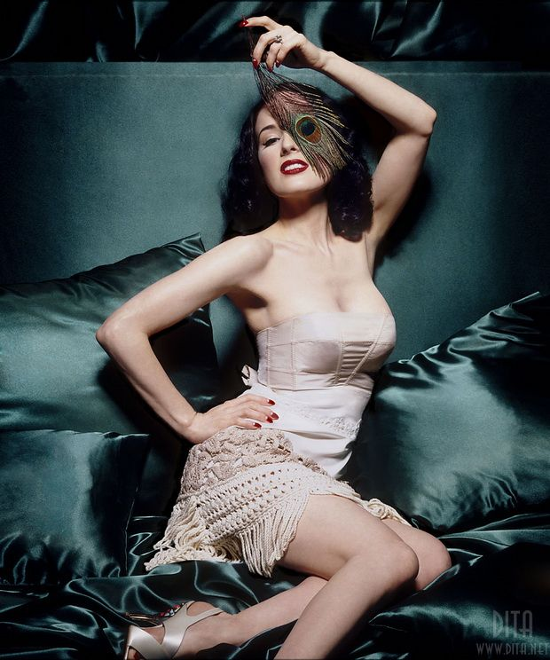 Big collection of erotic photos of burlesque queen Dita von Teese - 38