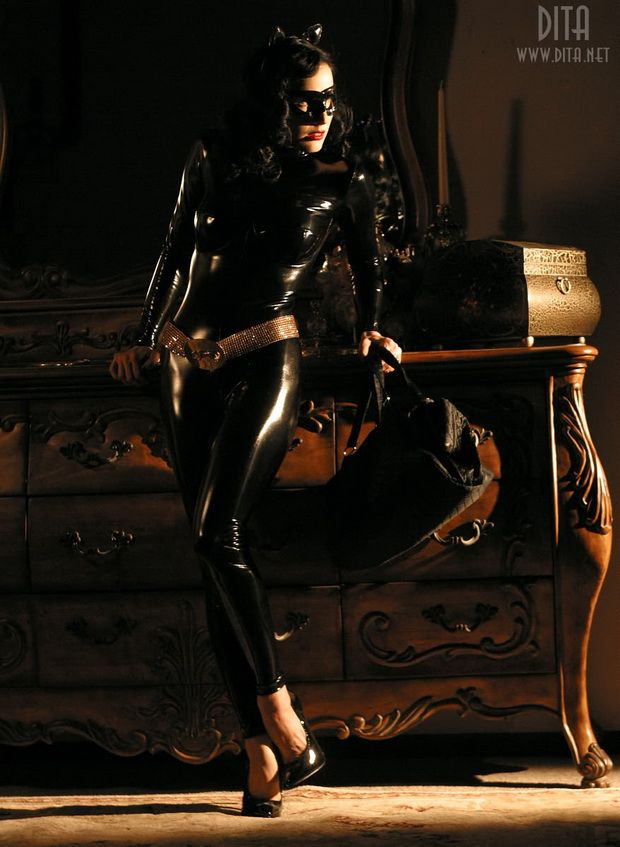 Big collection of erotic photos of burlesque queen Dita von Teese - 42