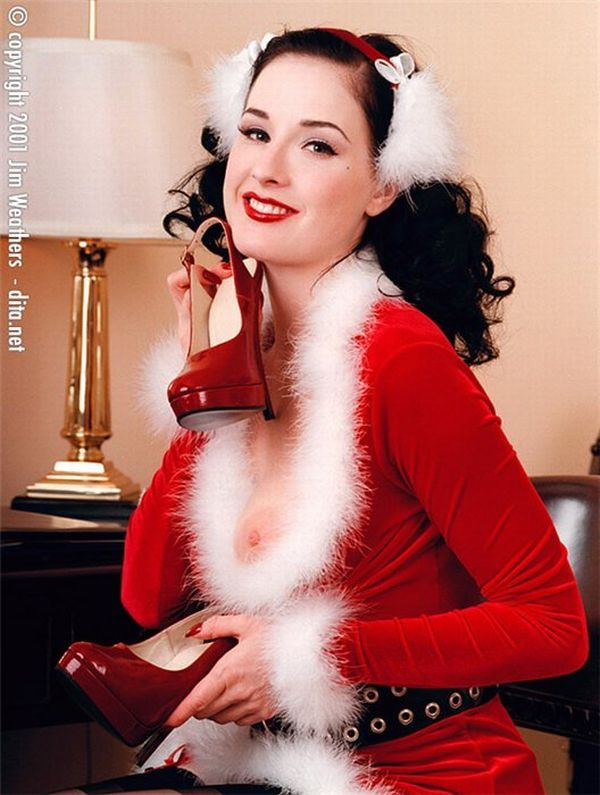 Big collection of erotic photos of burlesque queen Dita von Teese - 44