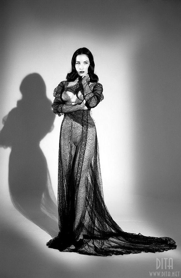 Big collection of erotic photos of burlesque queen Dita von Teese - 48
