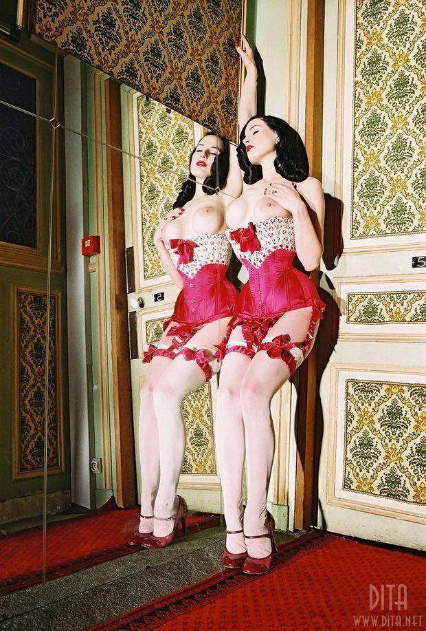 Big collection of erotic photos of burlesque queen Dita von Teese - 51