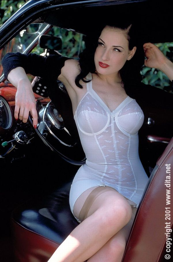 Big collection of erotic photos of burlesque queen Dita von Teese - 59
