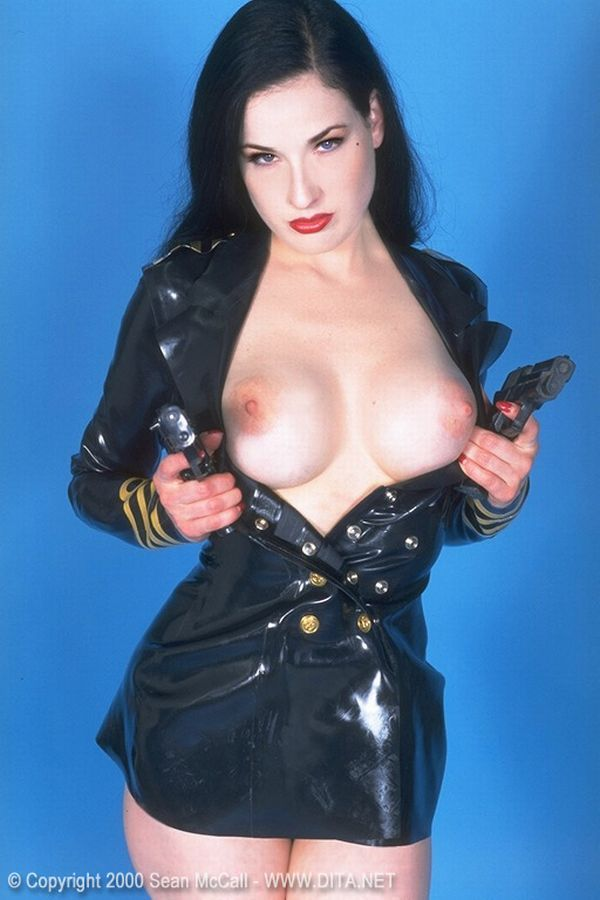 Big collection of erotic photos of burlesque queen Dita von Teese - 63