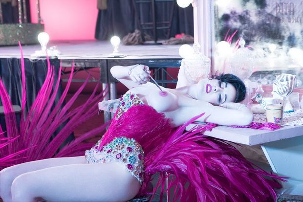 Big collection of erotic photos of burlesque queen Dita von Teese - 64
