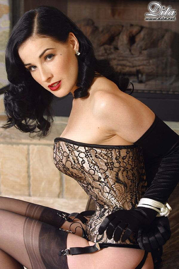 Big collection of erotic photos of burlesque queen Dita von Teese - 66