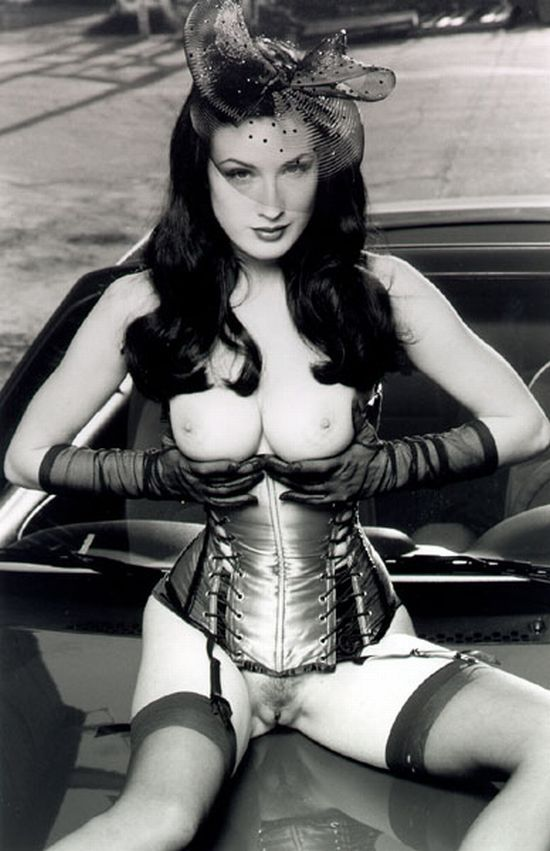 Big collection of erotic photos of burlesque queen Dita von Teese - 70