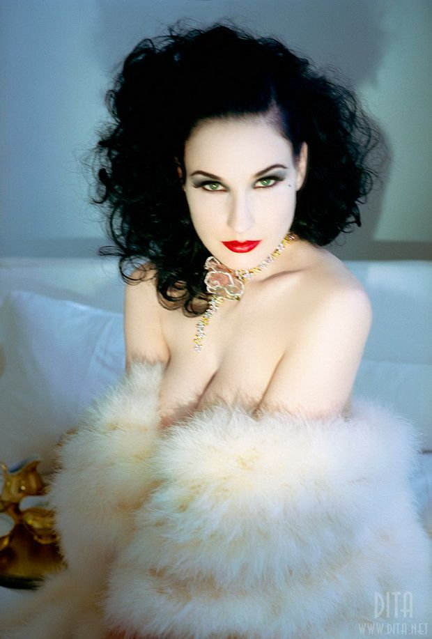 Big collection of erotic photos of burlesque queen Dita von Teese - 73