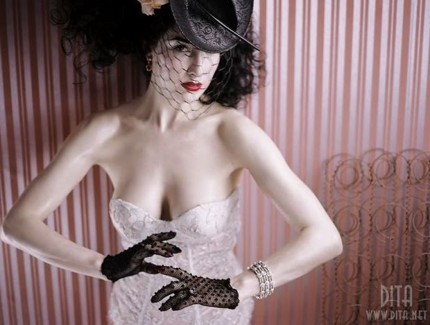 Big collection of erotic photos of burlesque queen Dita von Teese - 75