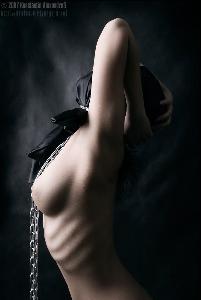 eroticheskie-kartinki-v-stile-gotika