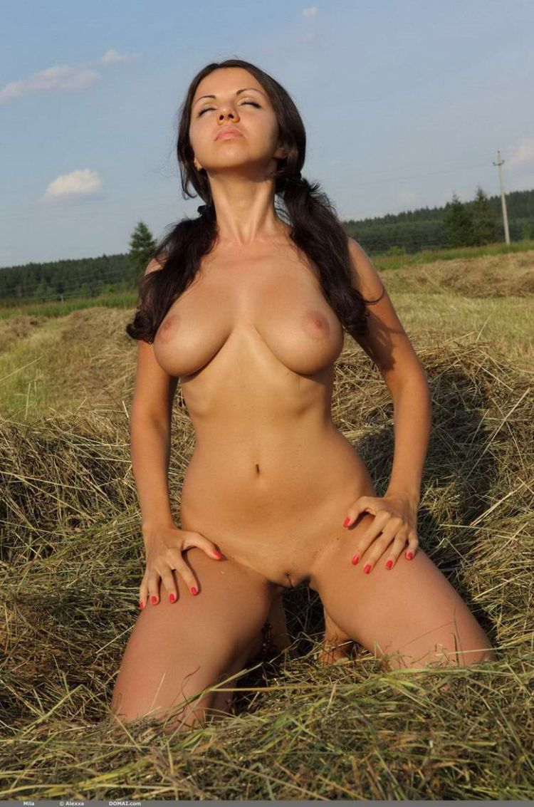 Mila, a girl with a great body - 12