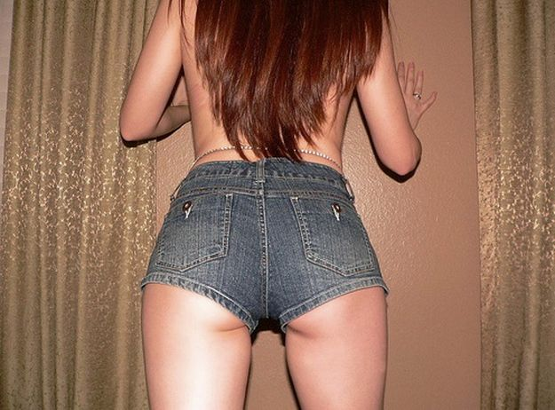 Sweet female tushies in very short shorts - 52