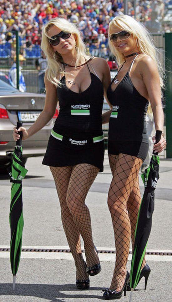 Hot girls from Formula 1 - 23