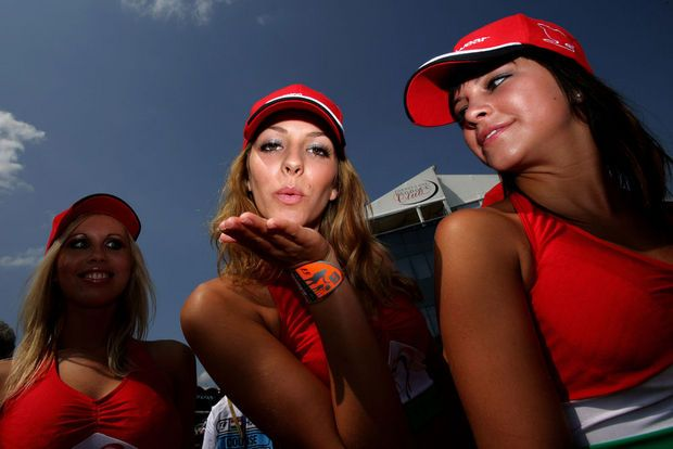 Hot girls from Formula 1 - 25