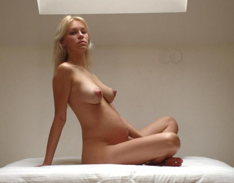 Erotic photos of pregnant girls - 26