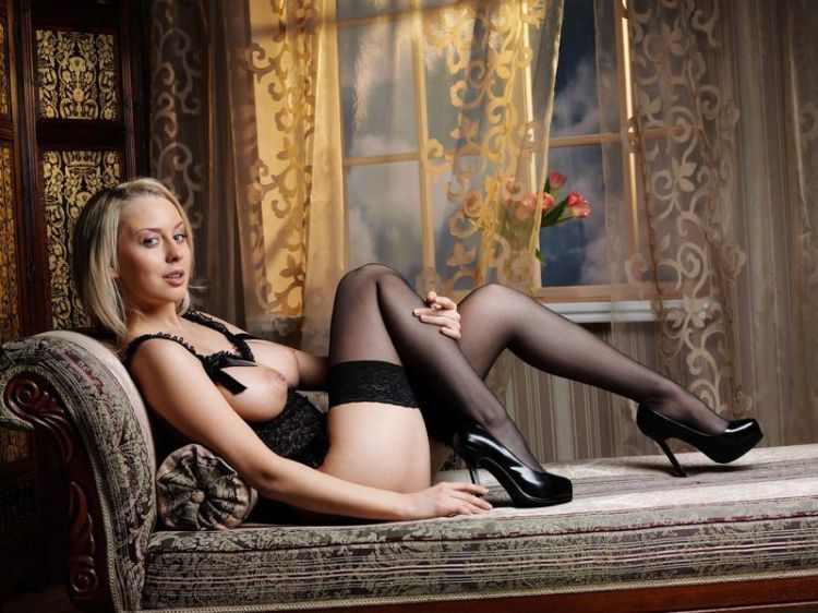 Blonde in erotic lingerie - 08