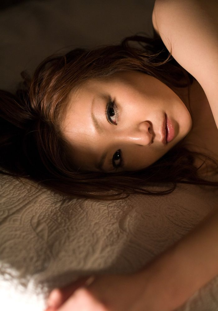 Sensual photoshoot of Asian girl Emi - 09