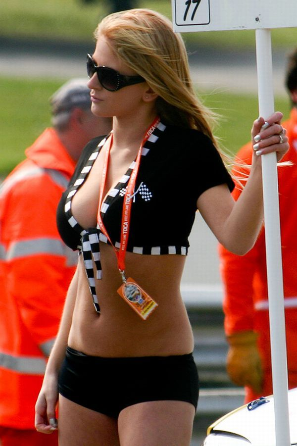 Gorgeous chicks at the 2010 Indy 500 - 04