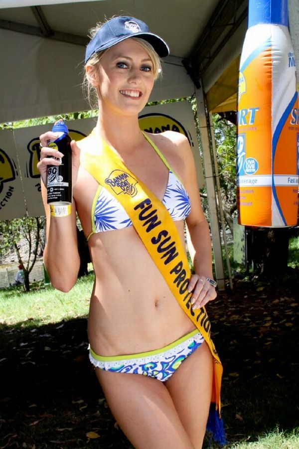 Gorgeous chicks at the 2010 Indy 500 - 21