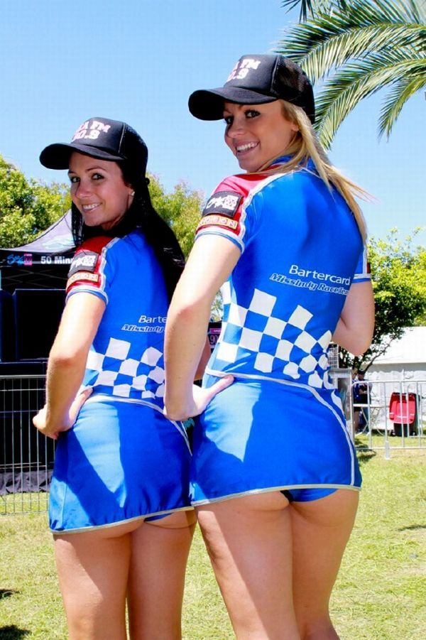Gorgeous chicks at the 2010 Indy 500 - 23