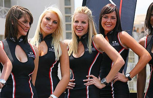 Gorgeous chicks at the 2010 Indy 500 - 25
