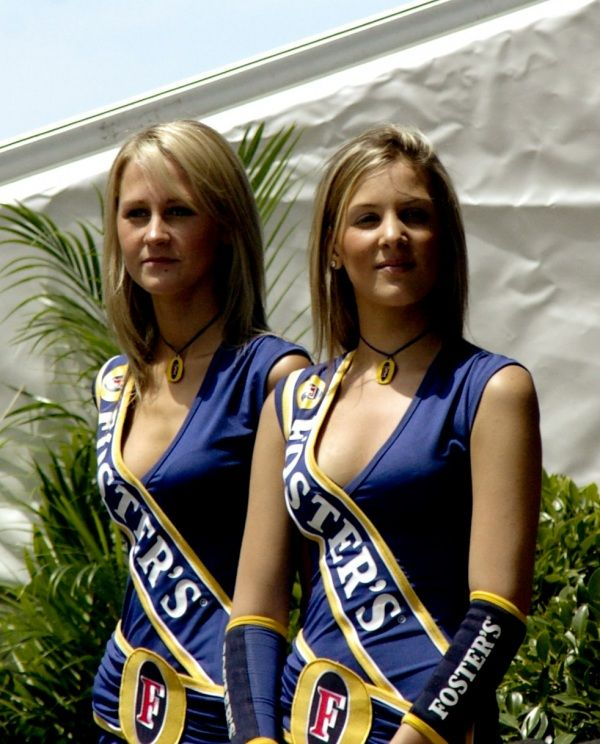 Gorgeous chicks at the 2010 Indy 500 - 30