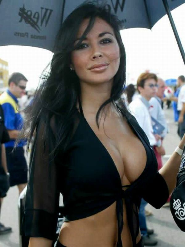 Gorgeous chicks at the 2010 Indy 500 - 37